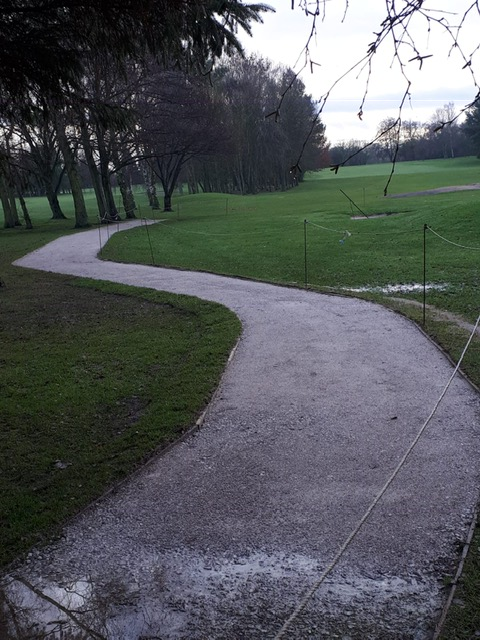 Pathway to right of 6 th green